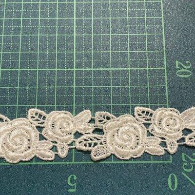 画像3: ケミカルレース オフホワイト 大小の薔薇 3枚組 日本製