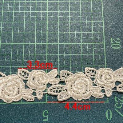 画像1: ケミカルレース オフホワイト 大小の薔薇 3枚組 日本製