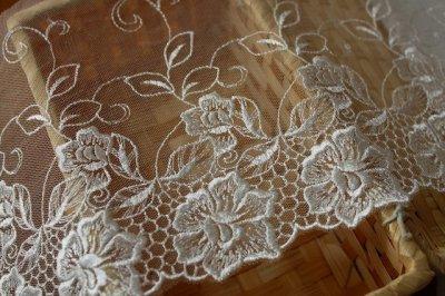 画像2: チュールレース オフホワイト 幅15.5cm花柄日本製 3m巻!