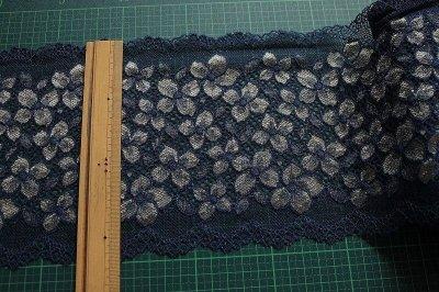 画像1: ラッセルストレッチレース ネイビー 幅16.5cm 花柄 3m巻