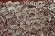 画像4: ラッセルストレッチレース ベージュ 幅16.4cm 薔薇柄 3m巻 (4)