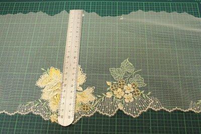 画像1: チュールレース イエロー 幅21cm薔薇柄 日本製