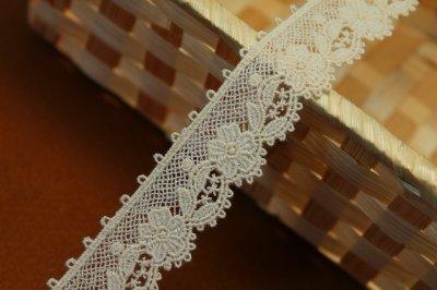 画像1: 1m!幅2.3cm可愛い花柄綿ケミカルレース 生成り