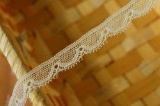 画像2: リバーレース オフホワイト  幅1.2cm風合いの美しいスカラ 5m! (2)