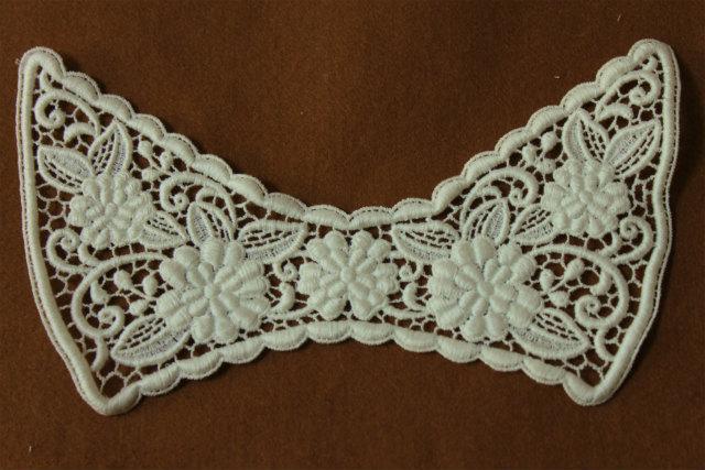 画像1: 1枚!日本製ならではの美しさ19cmケミカルアップリケ 襟 オフホワイト (1)