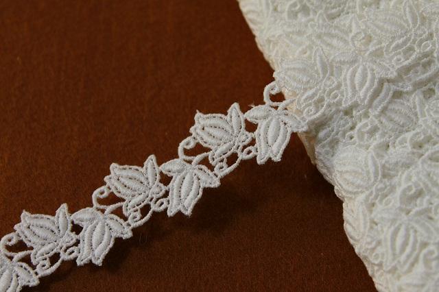 画像1: 7m!幅2.3cm薔薇のつぼみ綿ケミカルレース オフホワイト (1)