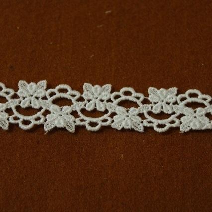 画像1: 綿ケミカルレース オフホワイト アクセサリーレース幅2.4cm2列の小花柄 6m (1)