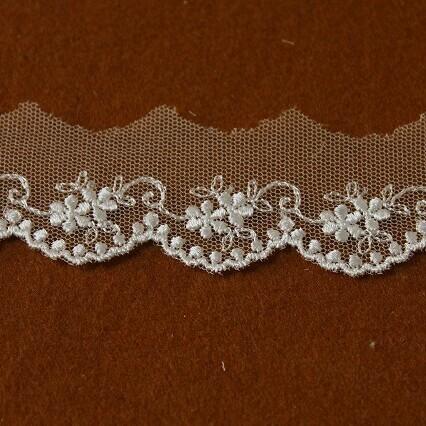画像1: 1m!幅3cm可愛い小花柄チュールレース オフホワイト (1)