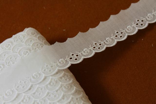 画像1: 13m!幅2.6cm可愛い薔薇柄綿レース ホワイト (1)