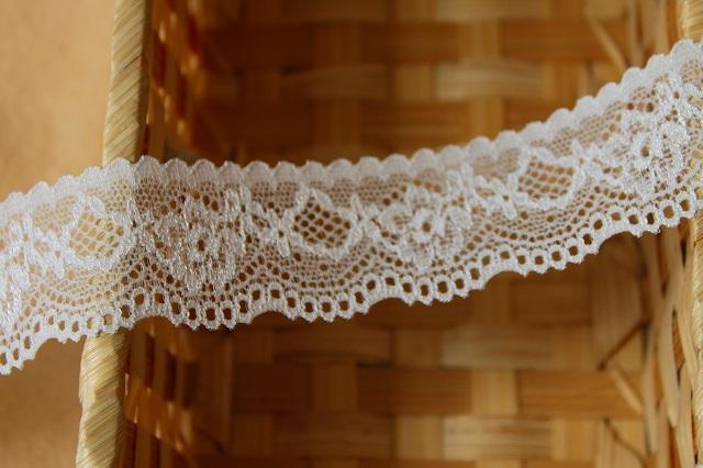 画像1: 5m!幅2.8cm綺麗な薔薇柄ラッセルストレッチレース オフホワイト (1)