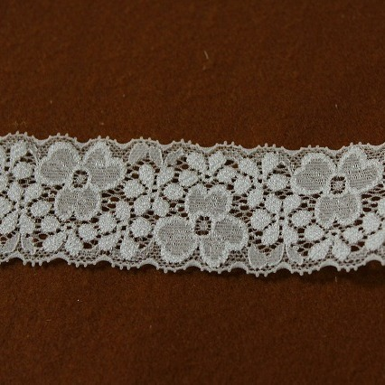 画像1: ラッセルストレッチレース オフホワイト 幅4cm両山美しい花柄 33m! (1)