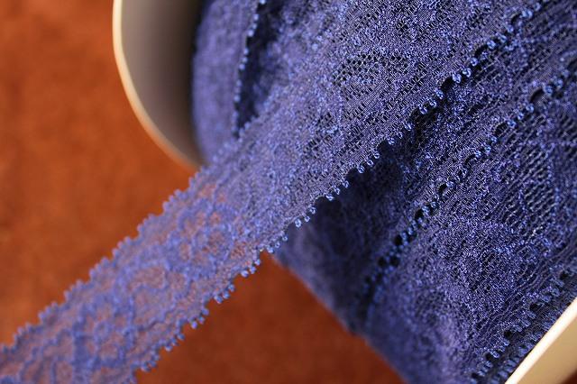 画像1: 大量50m!幅3cm透け感のある綺麗な花柄ラッセルストレッチレース 紺色 (1)