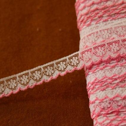 画像1: 5m!幅1.3cm可愛いピンク刺繍のラッセルレース 濃いピンク (1)