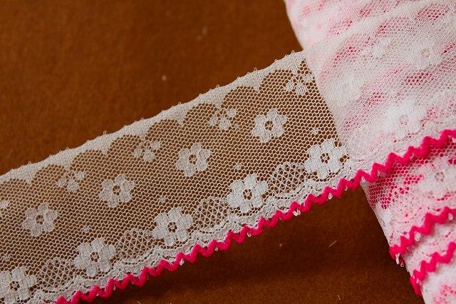 画像1: 3m!幅4.3cm可愛いピンク刺繍のラッセルレース ピンク (1)