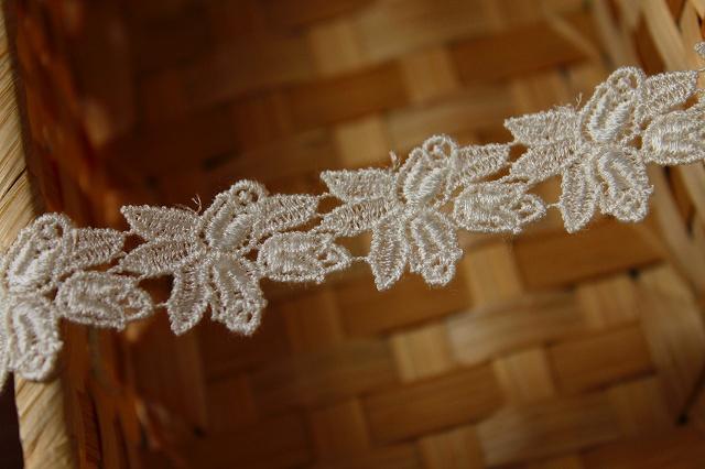 画像4: 6m!幅2cm薔薇の蕾柄ケミカルレース オフホワイト