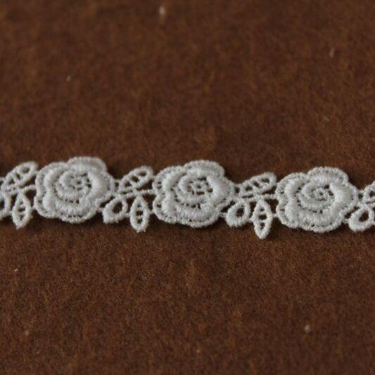 画像1: 綿ケミカルレース オフホワイト 幅1.3cm薔薇柄  3m! (1)