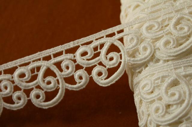 画像1: 3m!幅4.3cm美しいスカラの綿ケミカルレース オフホワイト (1)