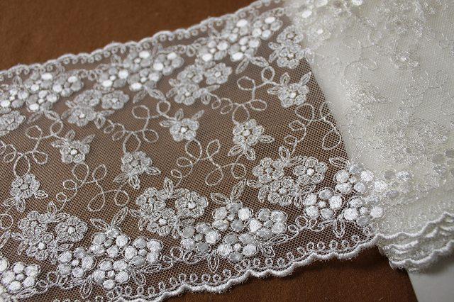 画像2: 3m!幅14.5cm小花の刺繍が美しい柄チュールレース オフホワイト