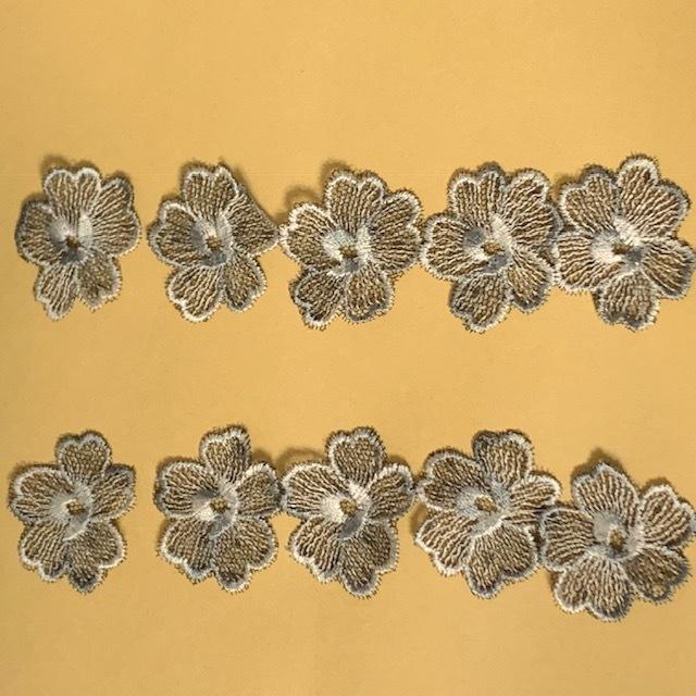画像1: 10枚組!幅3.6cm花柄チュールレースモチーフ ブラック (1)