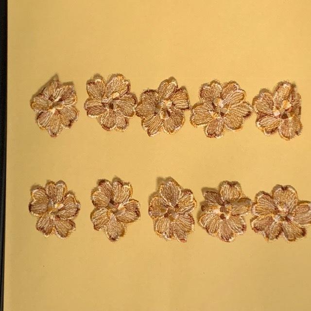 画像1: 10枚組!幅3.8cm花柄チュールレースモチーフ ブラウン (1)