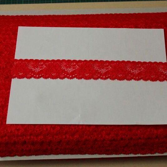 画像1: 高品質な日本製153m!幅3.1cm薔薇柄ラッセルストレッチレース 赤 (1)