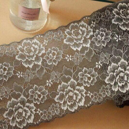 画像1: 3m!幅14cm綺麗な薔薇柄ラッセルストレッチレース 黒色 日本製 (1)