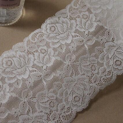 画像1: ラッセルストレッチレース オフホワイト 日本製 幅13.5cm薔薇柄3m! (1)