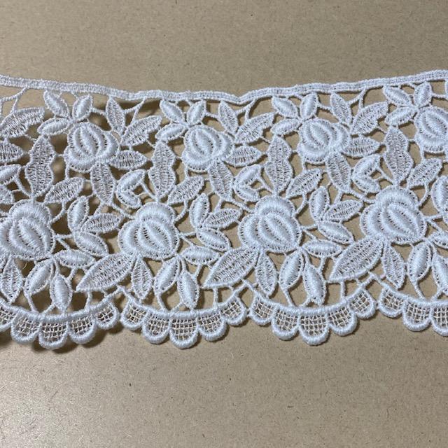 画像1: 綿ケミカルレース オフホワイト 幅8.6cm 薔薇柄 1m (1)