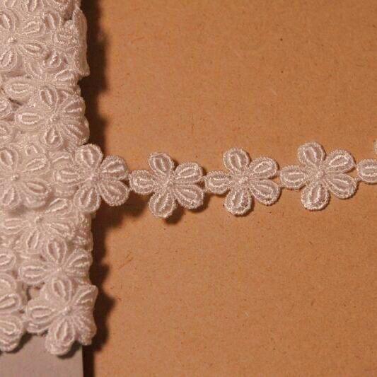 画像1: ケミカルレース オフホワイト 幅1.9cm小花柄 3m巻 (1)