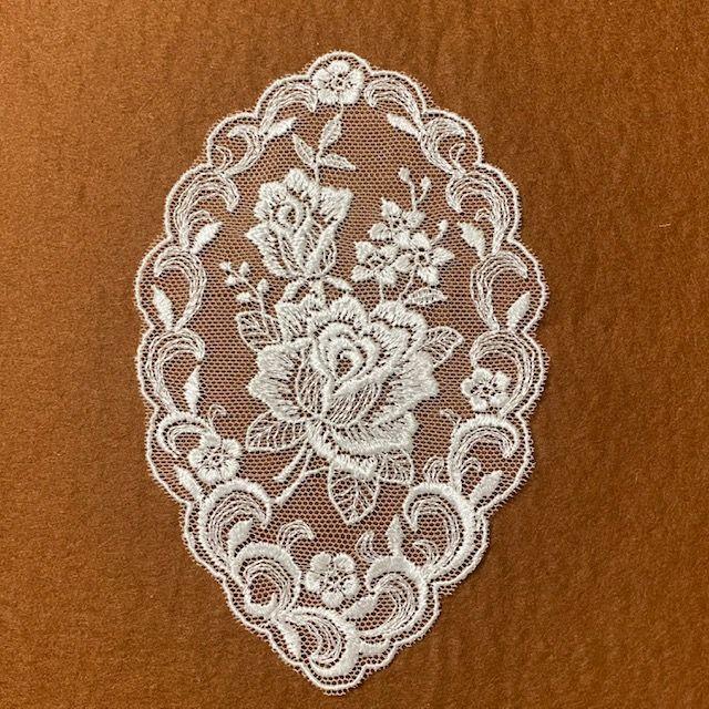 画像1: チュールレースモチーフ オフホワイト 幅14.5cm 額縁薔薇柄 1枚 (1)