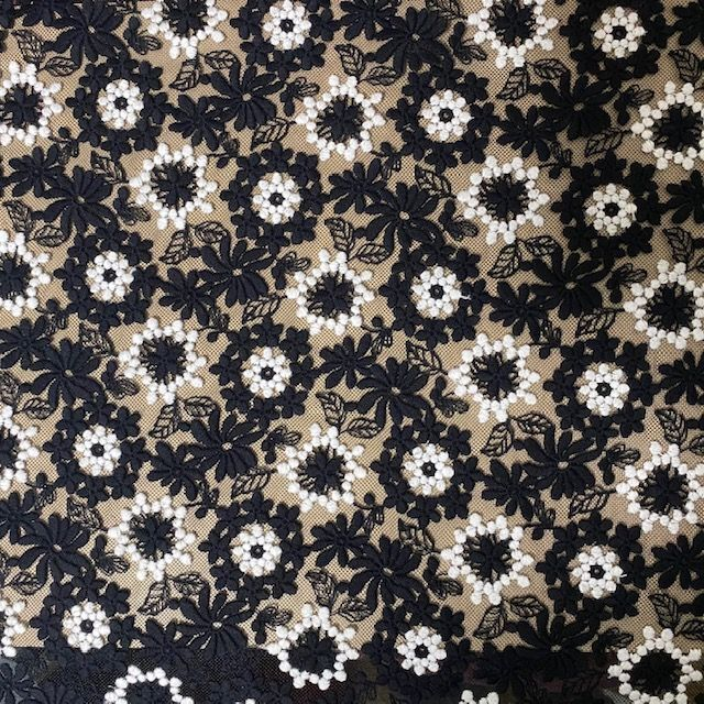 画像1: チュールレース ブラックオフホワイト 幅55cm美しい薔薇柄50cm巻! (1)